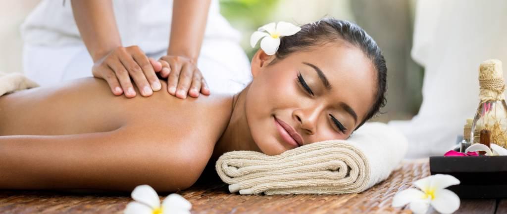 Relax total bei einer Thaimassage