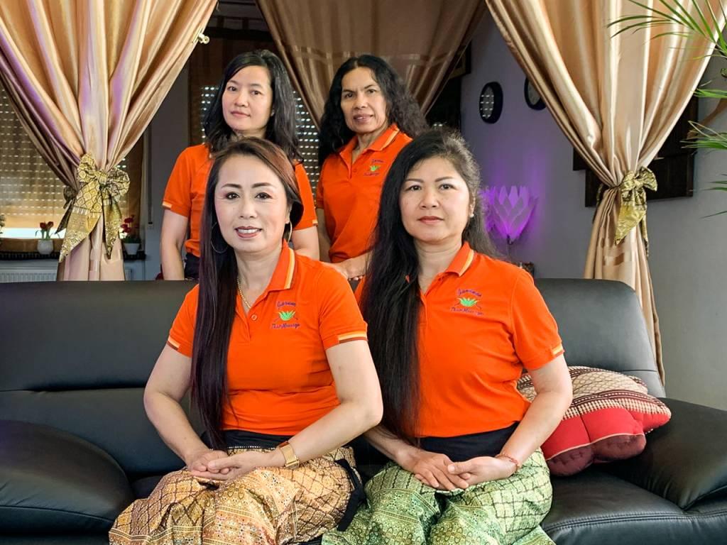 Unser Team: Frau Ja und Frau Som Frau Aem und Frau Chu